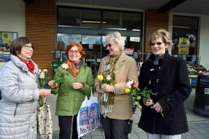 Rosen für die Ismaninger Frauen